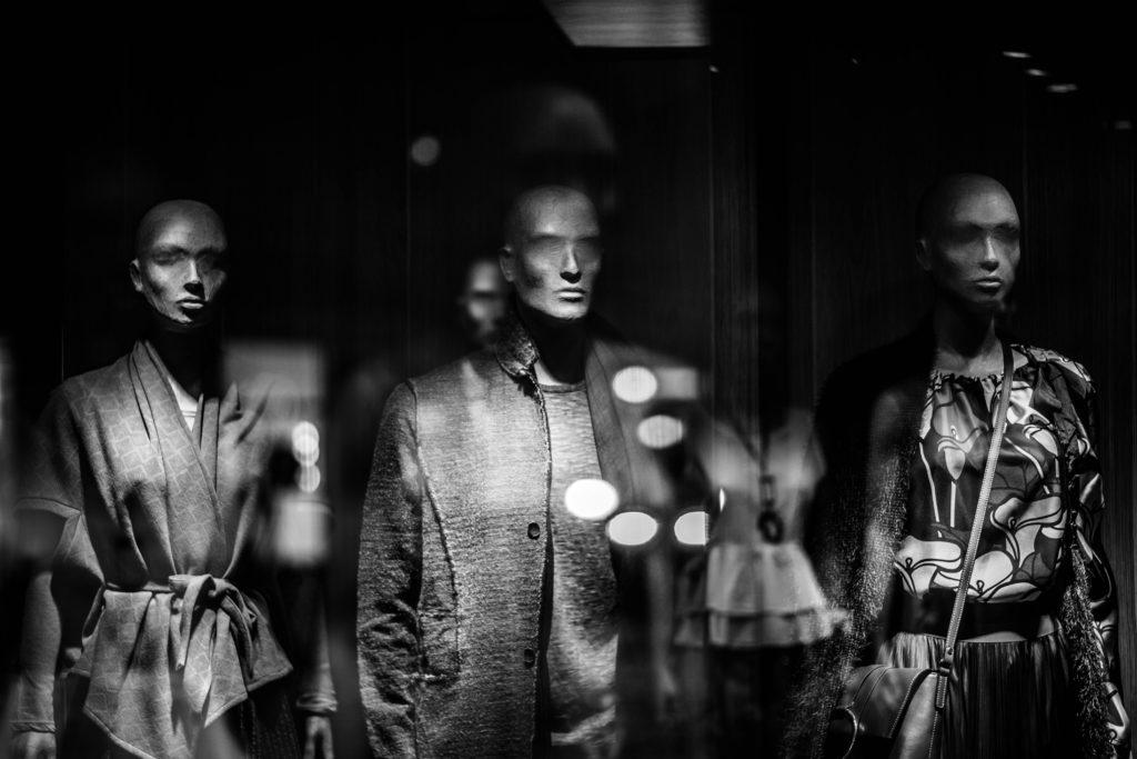 Mode : Y a-t-il un avenir pour les rondes dans la haute couture ?